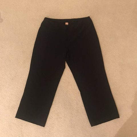 9086ee4cb6 Black Lucy brand / Lucy Tech cropped workout / yoga pants ❣ - Depop