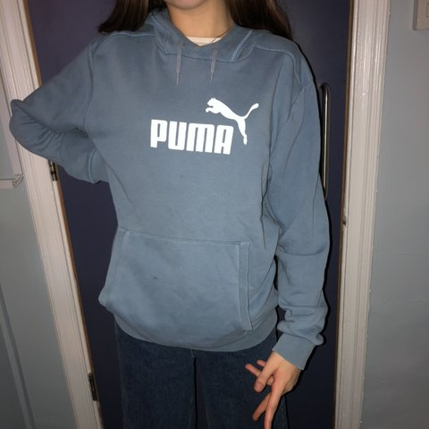 ee3100e29db353 Super cool vintage puma hoodie. Size 8 can fit 6-10 though - Depop