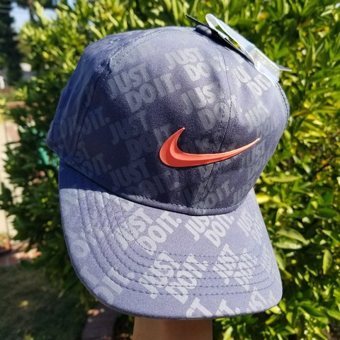 df7d515cce NEW NIKE AERSOSWIFT CAPS JUST DO IT GOLF HAT  14.99 - Depop