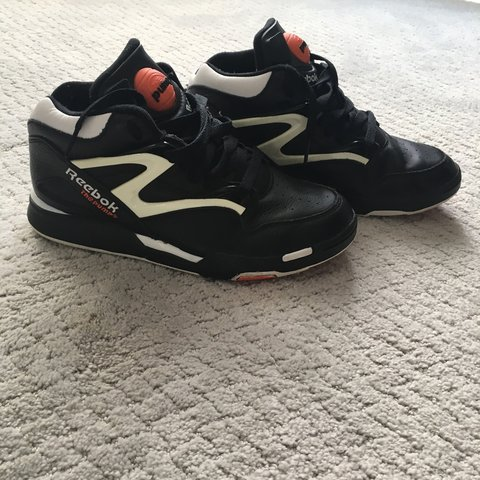 4e4c013ab2f1 Reebok hexalite pumps Soles are in perfect condition Overall - Depop