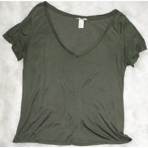 1d6dae527d588 Olive green basic t shirt from H M. Very comfortable! Only a - Depop