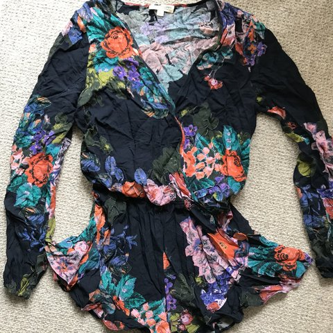 3c1a67912ebb Long sleeve flowy romper with low v neck. Super cute and - Depop