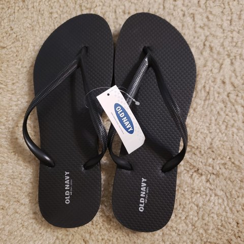 bdab6c245678 Awesome flip flops never worn also available in blue or are - Depop
