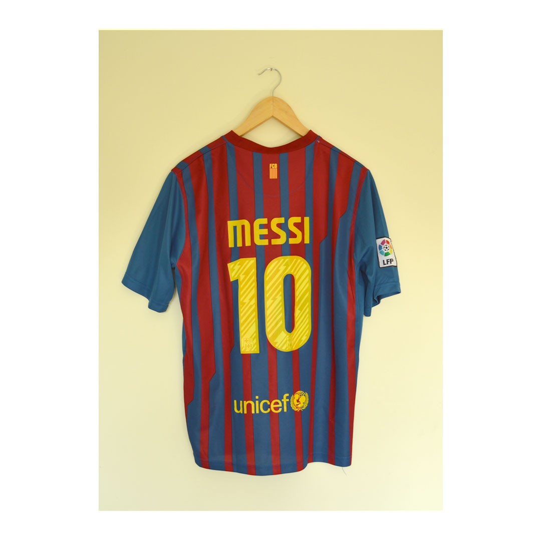 half off 8c363 6d41b Barcelona Football Kit 2017 Lionel Messi Large.... - Depop