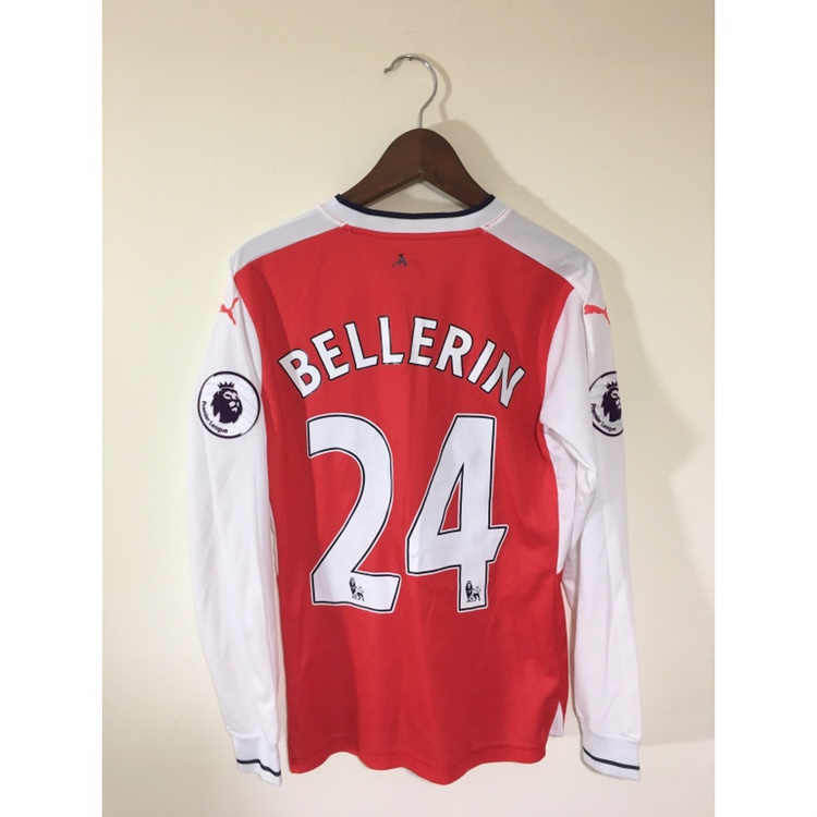 best service a99cd 391fd Arsenal FC Hector Bellerin football shirt. Arsenal... - Depop