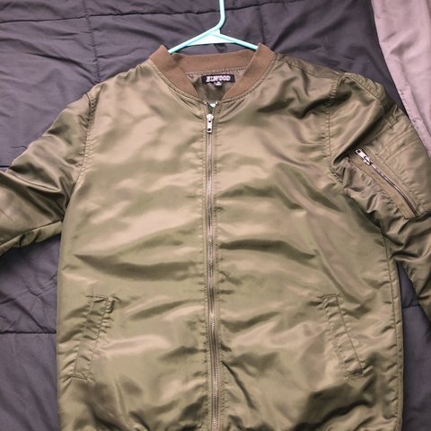 52f38ad720c2 Elwood olive bomber jacket. Size xl in boys so fits like a a - Depop