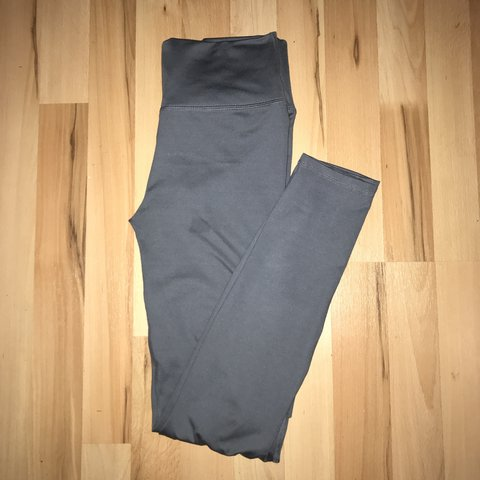 3e943f681f243 Fabletics sculpting leggings. Incredibly skinny with inside - Depop