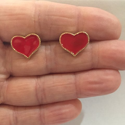 ce3101e6a RED HEART STUD EARRINGS! ❤ 2 FOR £5✅ FREE my items are can - Depop