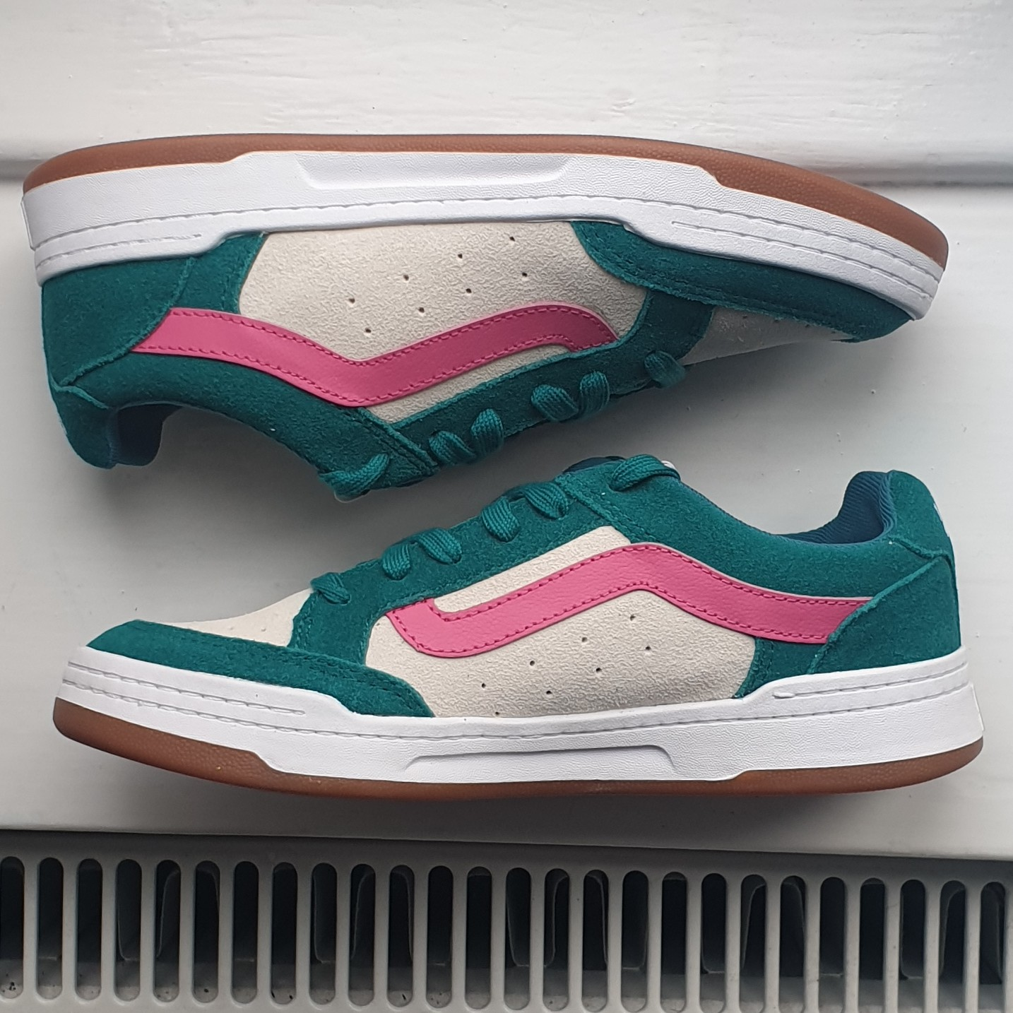 with tags and original shoe box Vans