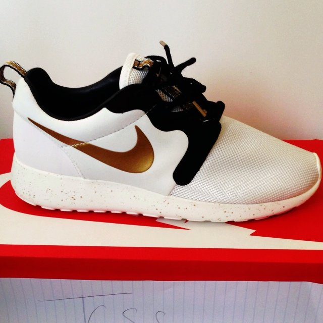 best sneakers 173be 6a25a  jlawson27. 5 years ago. Manchester, UK. Nike roshe run gold trophy ...