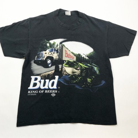 443d4de4 @rapidfire_vtg. 20 days ago. Williamsburg, United States. Vintage 1995 Budweiser  T Shirt! Size XL fits L