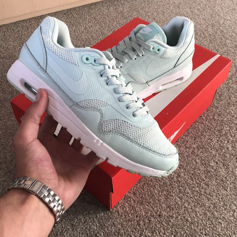 9a726121bf7b Nike Air Max 1 UK 4 8 10 condition Still in great condition - Depop