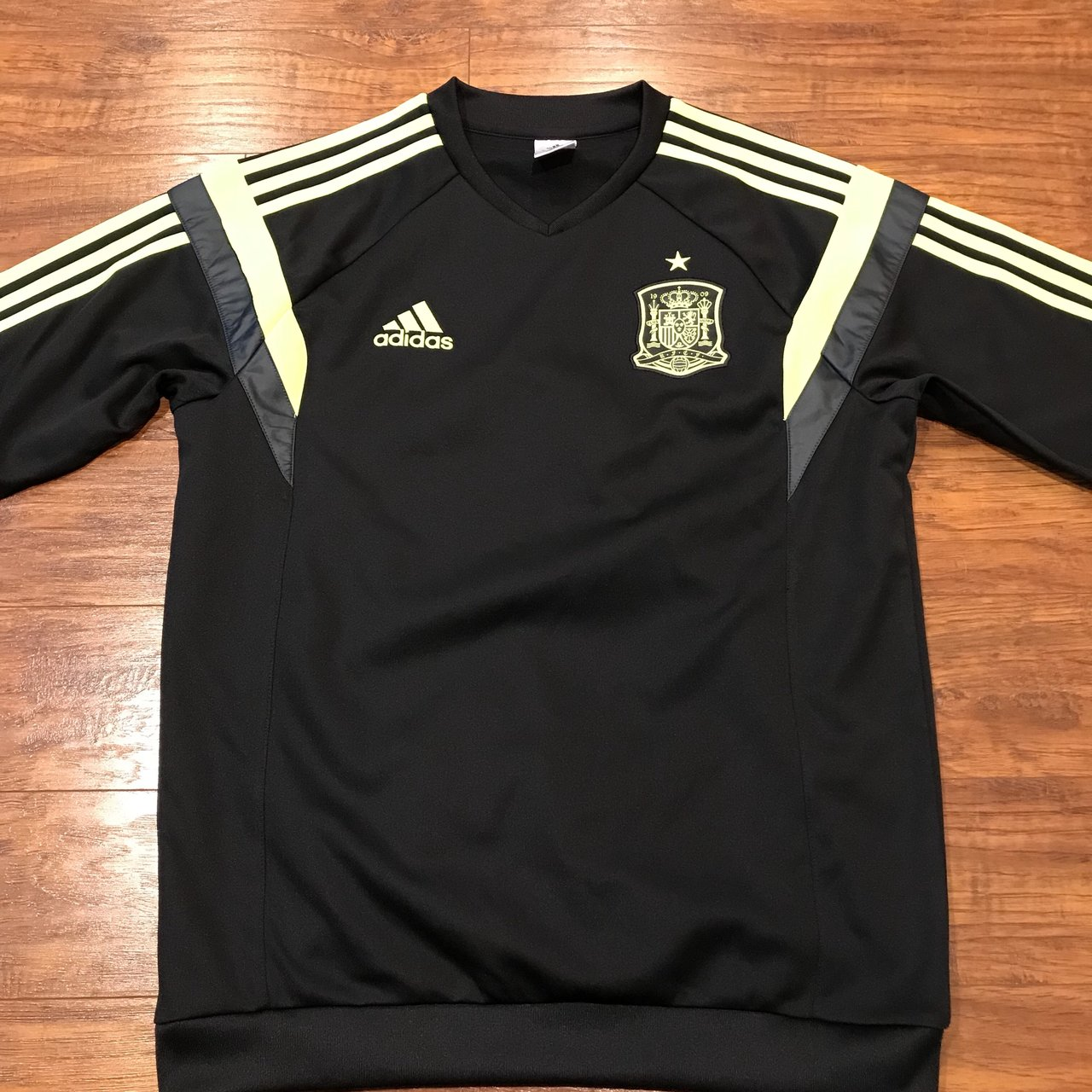 d323e90da Adidas rfcf long sleeve jersey Preowned great condition no - Depop