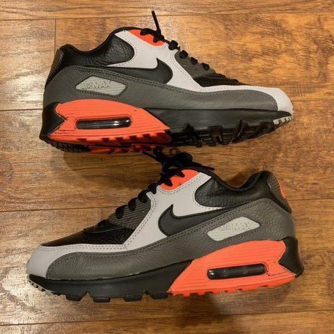 0623fe94f4f41 Nike Air Max 90 Leather Running Men s Shoes 652980-002 Black - Depop