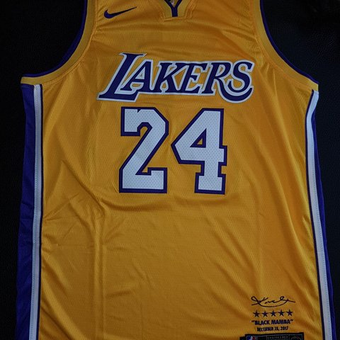 1125b431 @mjm5. 9 months ago. Italia, IT. Kobe Bryant Los Angeles Lakers, Nike.