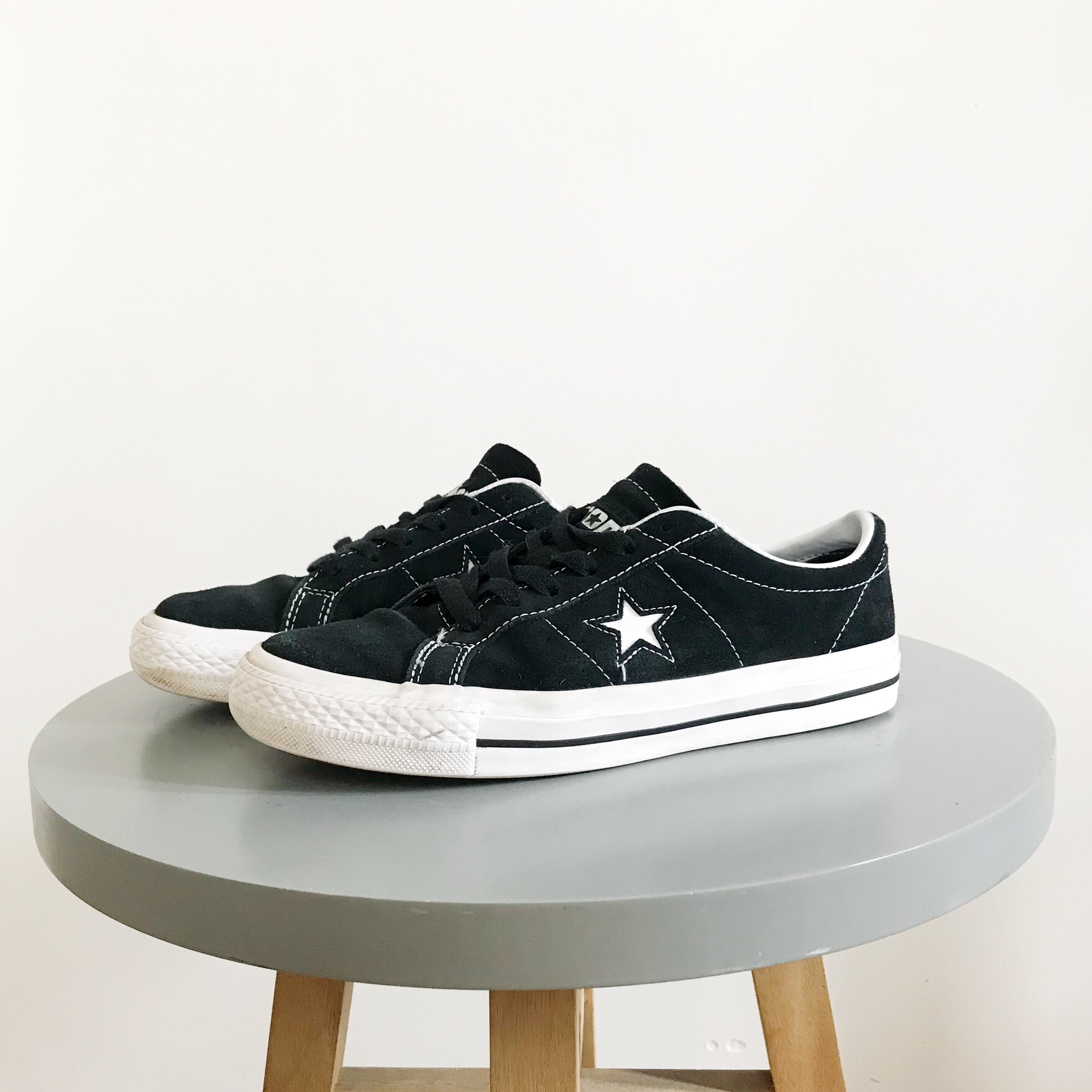 Converse one star trainers size 7 ( fit much more Depop
