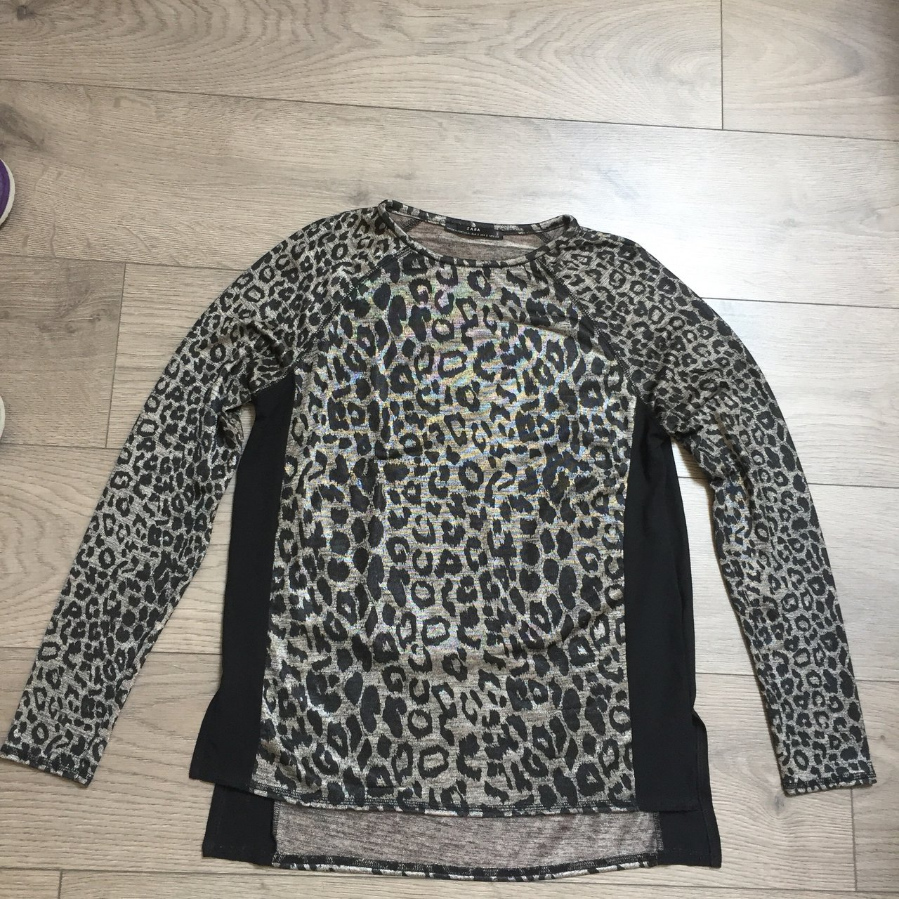9442034a65c8f Zara black and gold leopard print long sleeve top. Size S. - Depop