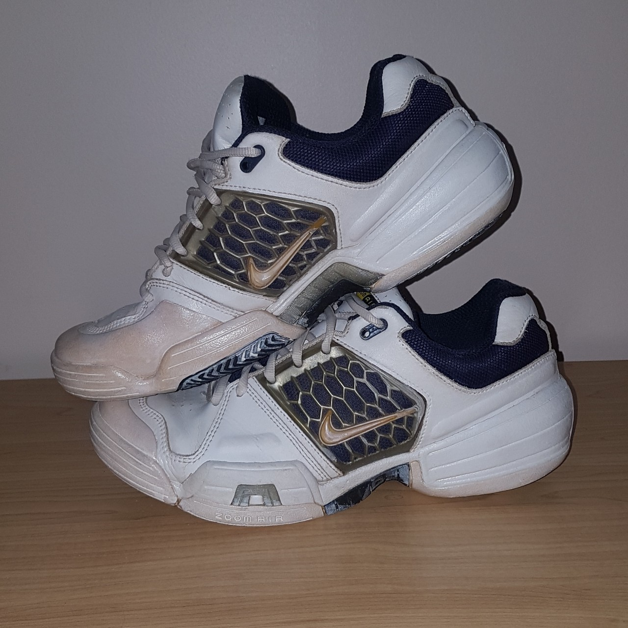 Details about Vintage Nike Air 90s Cross Training Womens 9 Shoes
