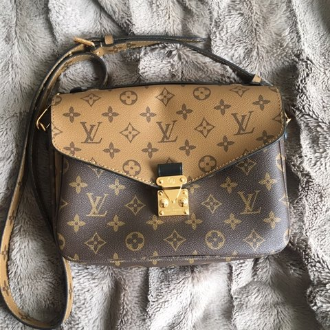 51a7e50b251c Louis Vuitton Cuir Glacé Purse Never Used and in Perfect or - Depop