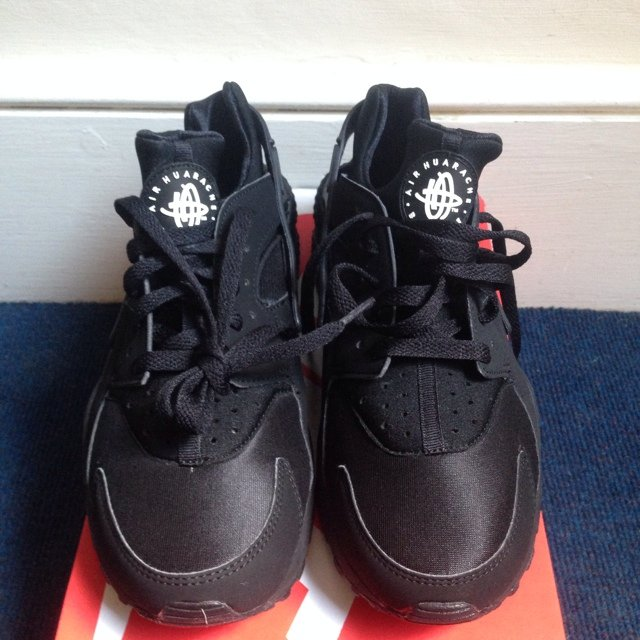 9299c3576ebd  solelocator. 5 years ago. United Kingdom. Nike Air Huarache