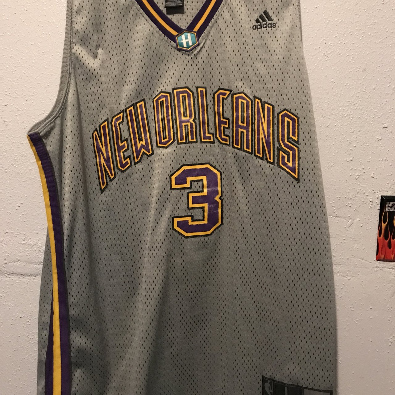 cc74785d9 Adidas Chris Paul Vintage New Orleans Hornets Jersey Men s - Depop