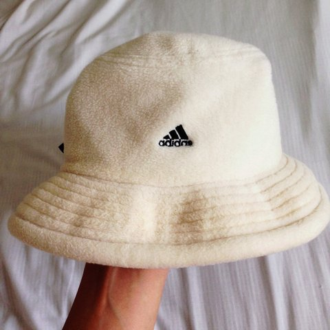 33bb4bdde60 PRICE DROP   Vintage adidas fleece bucket hat