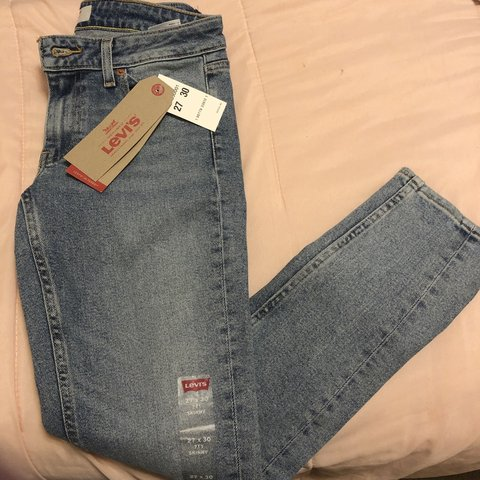 868d5b9daac Woman's 711 skinny Levi jeans, perfect condition never worn. - Depop