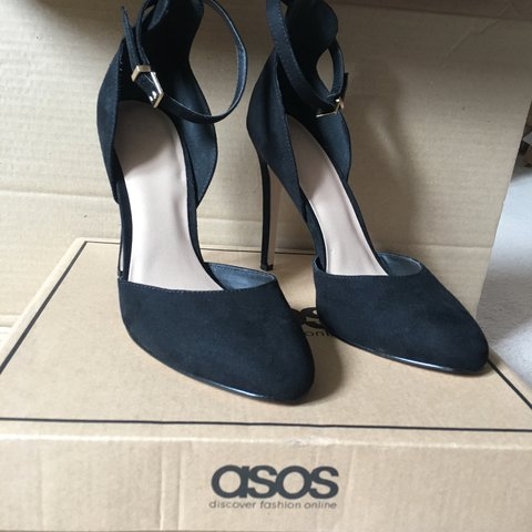 7b20b273f44 Gorgeous black heels asos with ankle strap and gold detail a - Depop