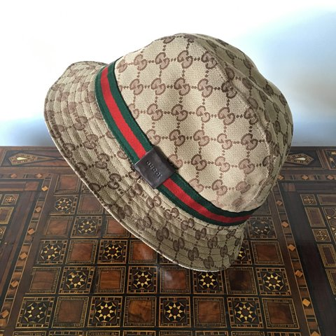 7b34459073c Gucci web bucket hat (unisex) for men and women in perfect - Depop