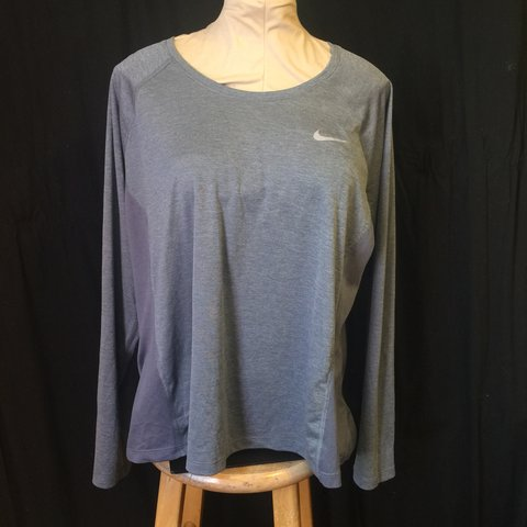 52d78330f @dreamqueenvintage. 6 months ago. Los Angeles, United States. Nike Dri-Fit  Running / Workout Long Sleeved shirt ...