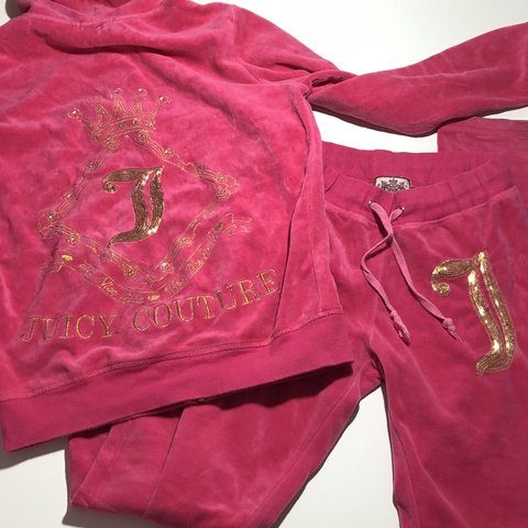 38fb8182251b @court217. 8 months ago. United States. Cute hot pink Juicy Couture  matching set