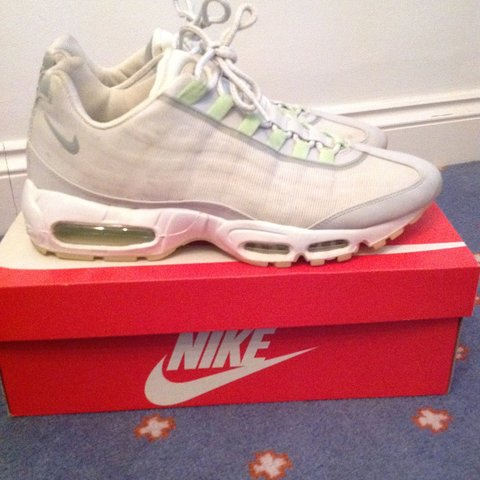 0f1f0807c9 Nike air max 95'glow in the dark' UK 10 7/10 condition as as - Depop