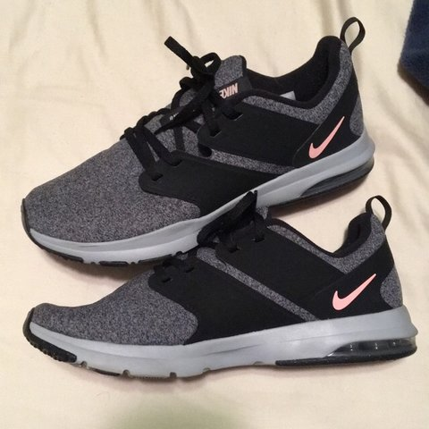 babf9d1f344 Nike running sneakers. Size 9 womens. I only wore these like - Depop