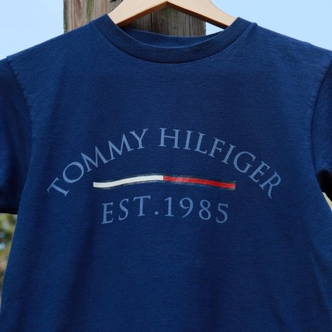 6e940376 Vintage 90s Tommy Hilfiger t-shirt (navy). This awesome tee - Depop