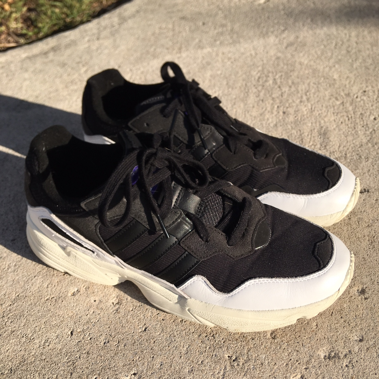 Adidas Yung 96 black/white in size 10.5