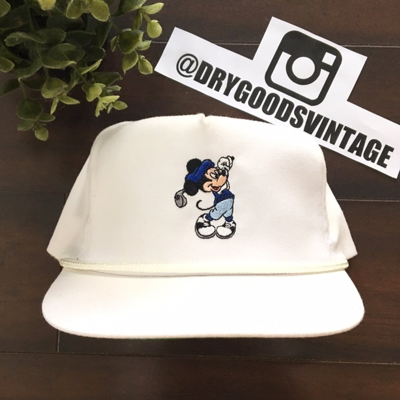 369a4f0a802 Vintage Mickey Mouse Golf Strapback Hat. Good condition with - Depop