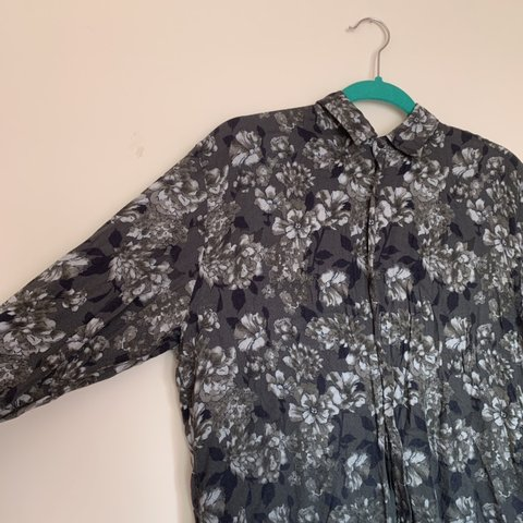d16a840c2a23e ZARA dark green floral shirt Long sleeves Button up button - Depop