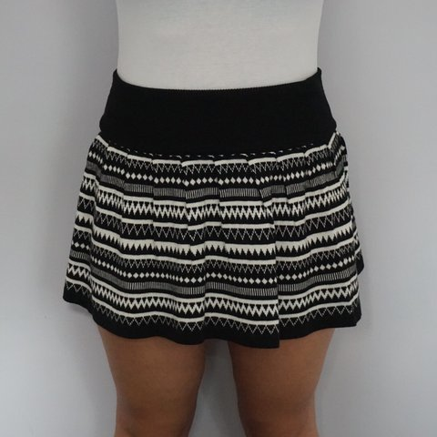 f90a87c9de @elektrikimprintuk. 9 months ago. Hindhead, United Kingdom. ATMOSPHERE BLACK  AND WHITE PATTERNED SKIRT Size: 10. Condition: Very good