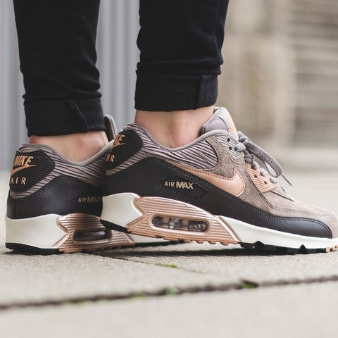 detailed pictures 0aa75 a361d  roisinerin. last year. Dublin, Ireland. Rose gold and grey suede Nike air  max 90 ...