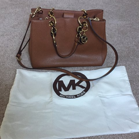 6574f41a7cc0 @deniseoleary. 2 years ago. Cork, Ireland. Genuine Michael Kors handbag.