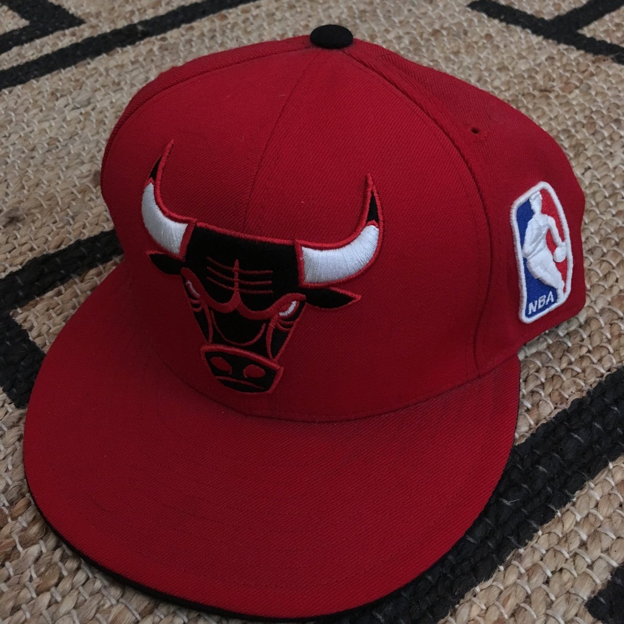 c97d58912fe Chicago Bulls green-brim Snapback Pre-owned but.  10. Mitchell and Ness  Philadelphia NBA