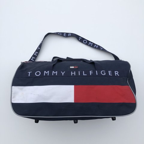 a2cd6d473964 LARGE TOMMY HILFIGER DUFFLE 🔥 Great condition for its age