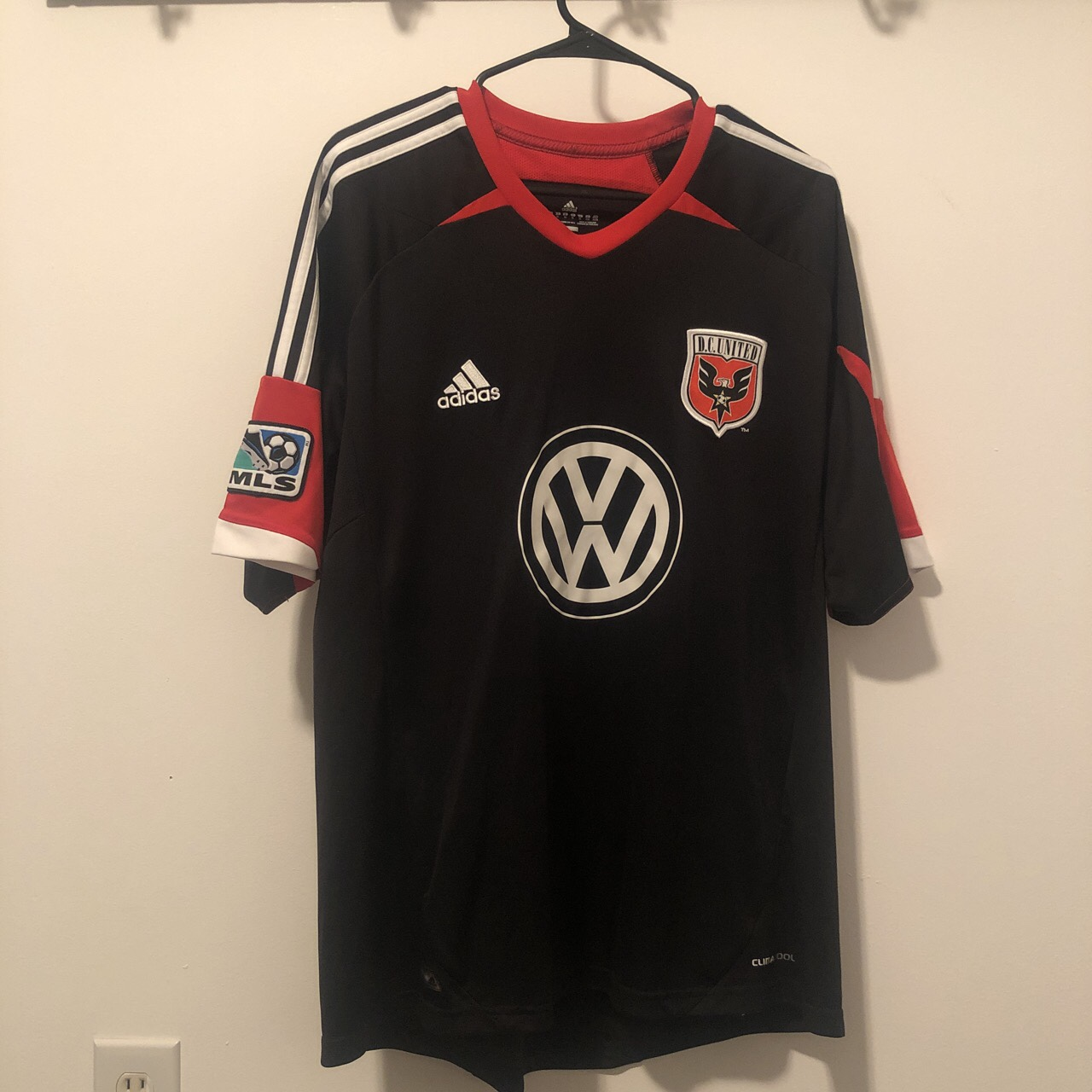 buy online 39139 2c742 Adidas DC United Jersey Blank on the back Sewn... - Depop