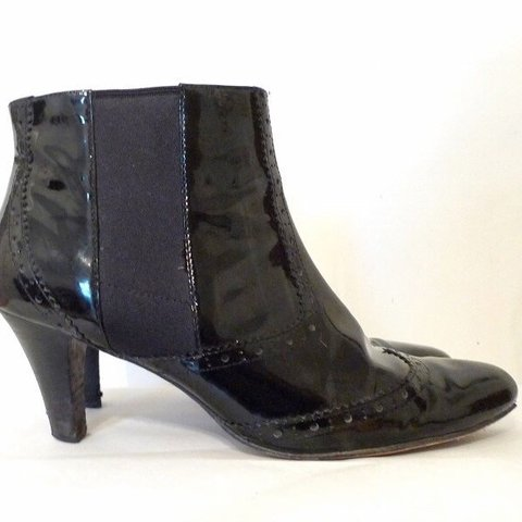 090f8039c08cc @humangrade. 23 days ago. United States. half off!! Cole Haan does 60s GoGo  Boots Women's Size 8.5 Mod Black 7