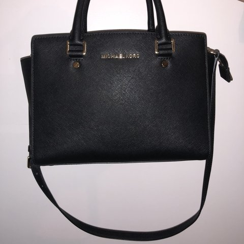 401fd18ae6ba8b @christinaazheng. 7 months ago. Canada. PRICE NEGOTIABLE Michael Kors bag.  super cute ...