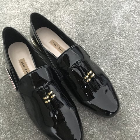 51f26a7a64 @jojopets. 9 months ago. Crowborough, United Kingdom. New Zara black Flat  shoes never been work size 5