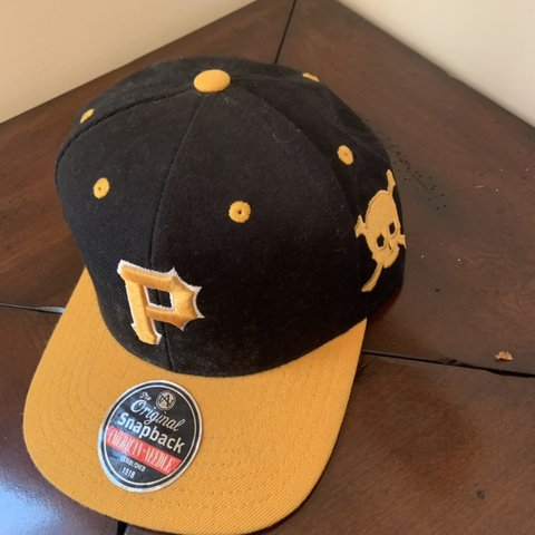 036c8ce7bd5ba Pittsburgh Pirates snapback. Green underbrim. Condition  and - Depop