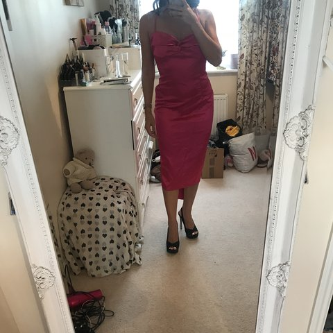 9f9f6f3e27e1a Absolutely stunning pink backless satin dress with bow tie a - Depop