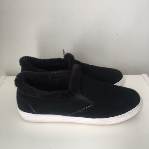 9e531d71375 Black Steve Madden fur shoes - Depop