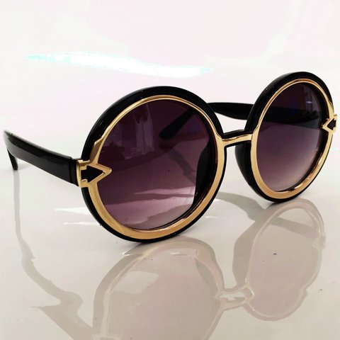 a32efc00bfd8 @philipnormal. 4 years ago. London, UK. SALE - vintage style round  sunglasses in black and gold.